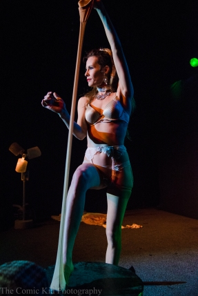 Burlesque-24
